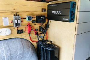 Solar Power battery and amp